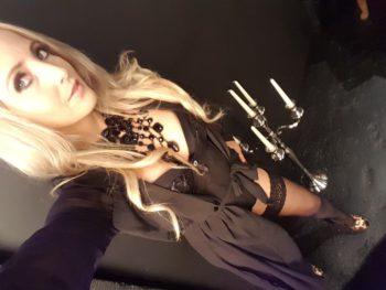 Femme dominatrice  Maîtresse Grâce
